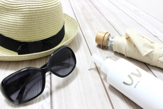 なんで冬も日焼け防止・UV対策が必要なの?秋冬にぴったりな保湿もできる日焼けグッズを紹介