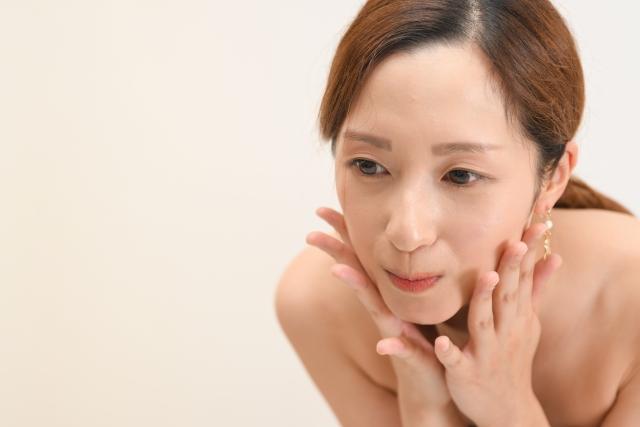 35歳になると、急に気になる顔の変化とは?原因や今からできる対策方法を紹介