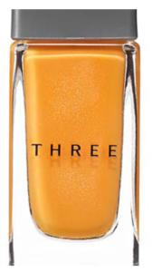 THREEのオレンジネイル|春先にぴったりな儚げオレンジ