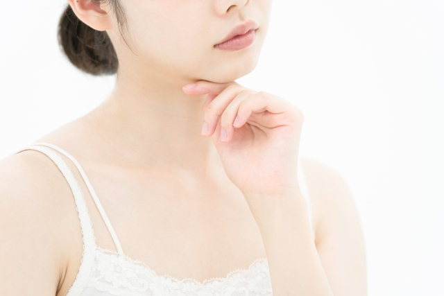 肌が荒れる主な原因や改善方法を確認