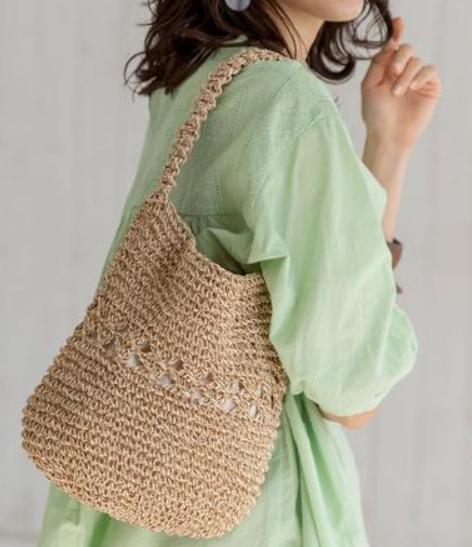 コロンとした丸みが可愛い!ナチュラルなマクラメ編みのバッグ1