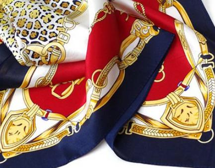 シルクのスカーフ|首に巻いて紫外線対策+対応調整、バッグや髪の飾りにも使える1