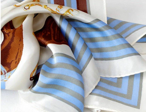 シルクのスカーフ|首に巻いて紫外線対策+対応調整、バッグや髪の飾りにも使える2