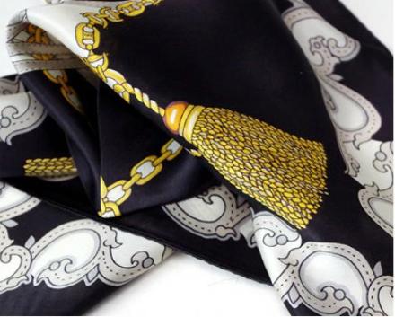シルクのスカーフ|首に巻いて紫外線対策+対応調整、バッグや髪の飾りにも使える3