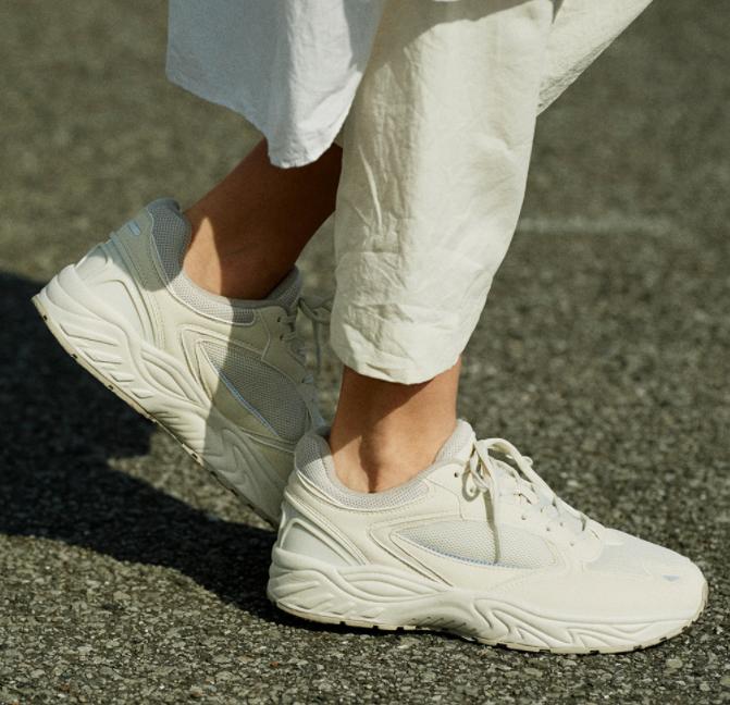 スチューデン|スクール用の靴を日常使いに、運動時の安定性が抜群